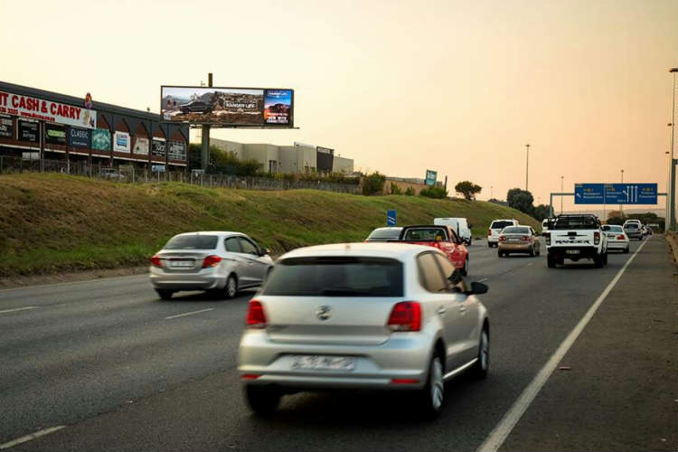 1st Hybrid Billboard in SA – Offering the Omni-Presence of Static and the Flexibility of Digital Billboards
