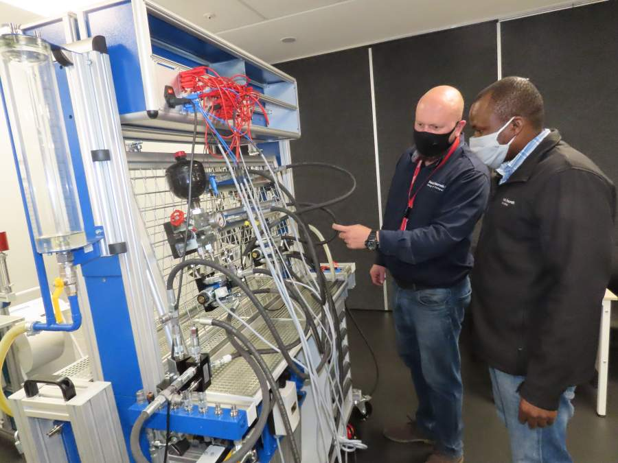 Bosch Rexroth South Africa's new course focuses on the electrical control of hydraulic circuits to enable a better understanding of the electro hydraulic control system and also enhance fault finding techniques