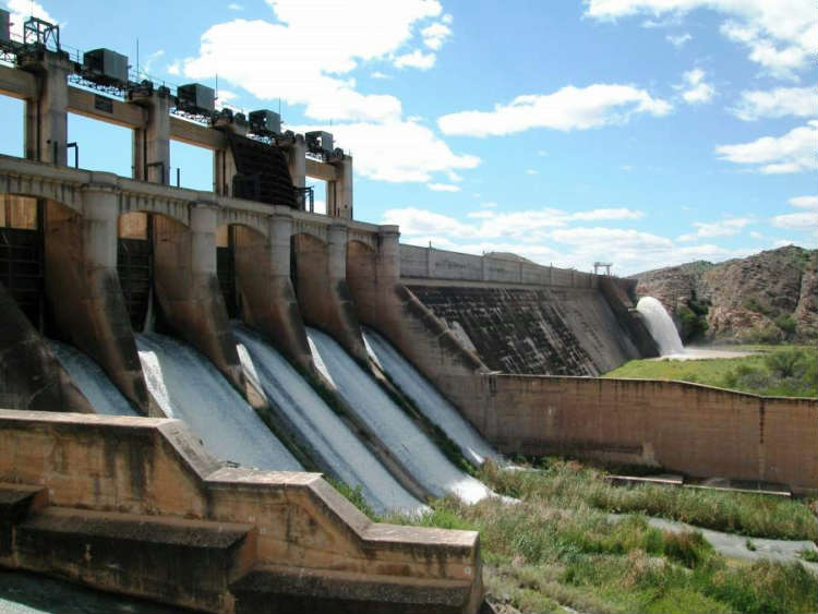 Darlington Dam in the Eastern Cape, one of 3 Government Water Schemes that will potentially serve as a pilot site for the NatSilt Programme execution. The others are Welbedacht Dam in the Free State and Hazelmere Dam in Kwazulu-Natal.