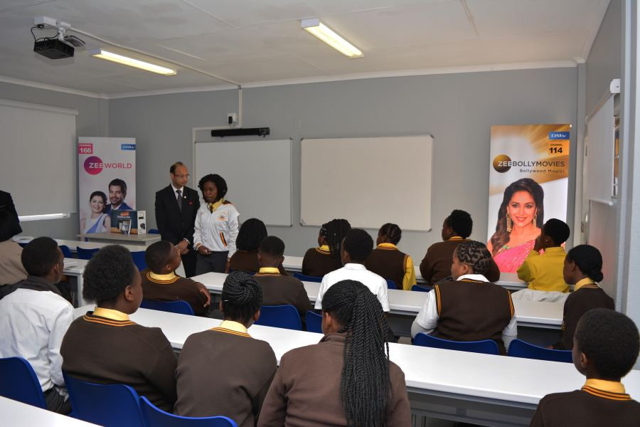 The new maths class with Harish Goyal, Chief Executive Officer – Asia Pacific & Africa at Zee Entertainment and learners at Diepdale Secondary School