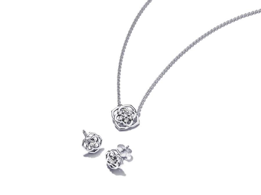 Sparkling Roses with Pandora Timeless Style