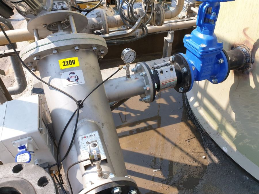An MRS supplied Straub Flex coupling joining the supply tank discharge valve to the self-cleaning electrical filter
