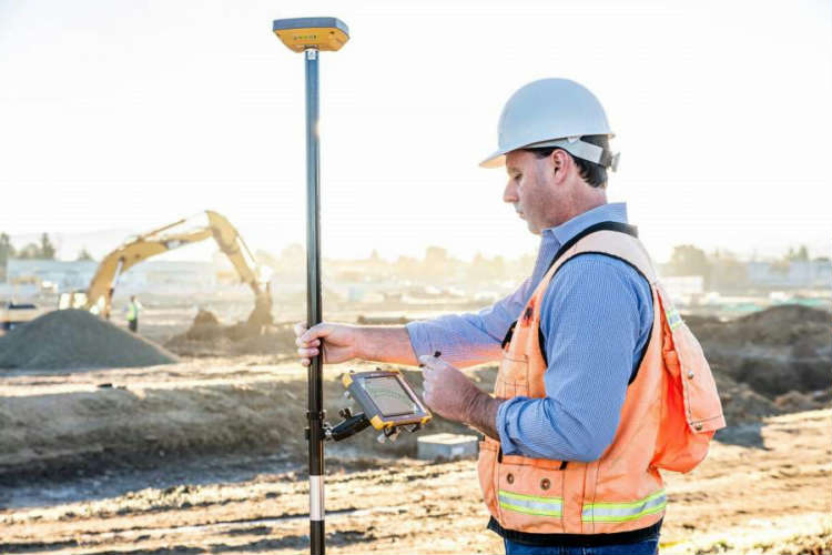 A benefit of the Topcon instruments, including the HiperVR GNSS Receiver, is the inclusion of MAGNET on-board software that enables smart on-site data collection.