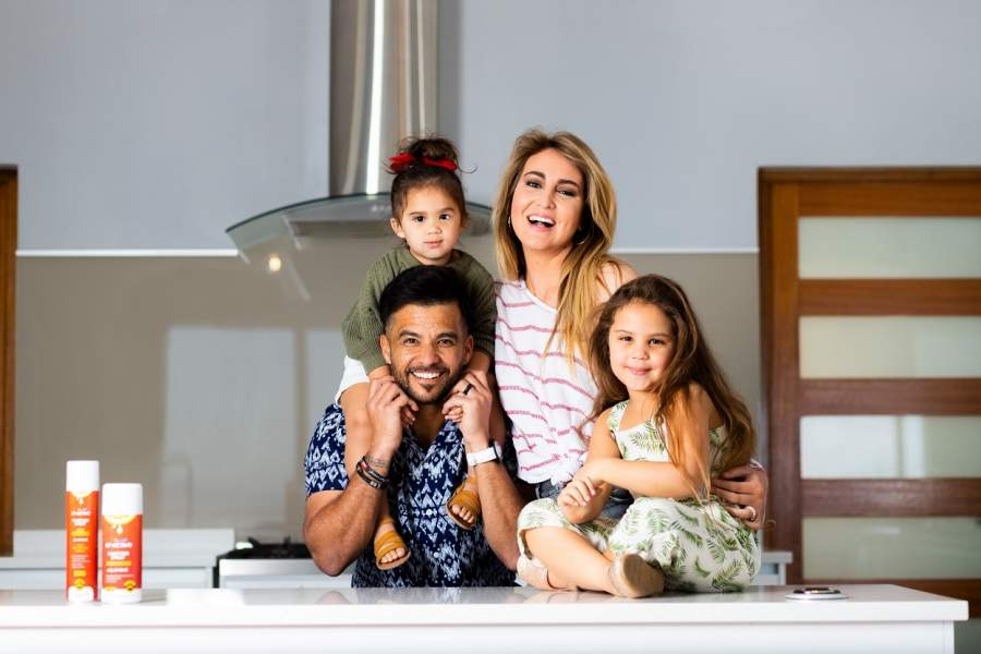 EF-Active partners with power duo, JP & Sue Duminy, on outdoor campaign