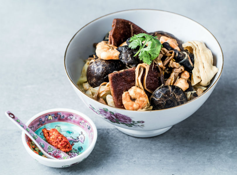 Chinese New Year feasting: The elements of a Peranakan Tok Panjang spread 2