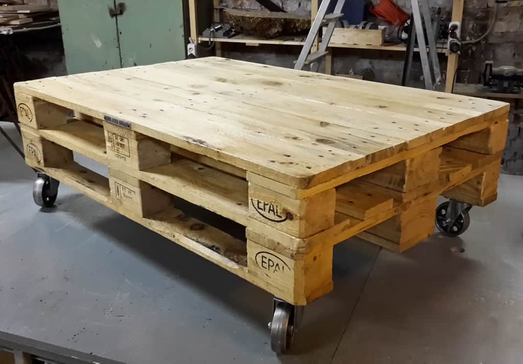 15 Super Simple And Cheap Diy Pallet Coffee Table Ideas Sawshub