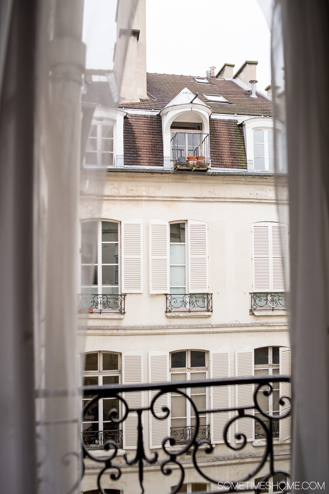 Paris hotel suite accommodation with a view at very affordable prices in the historic Le Marais district. Click through to the article for a complete review!