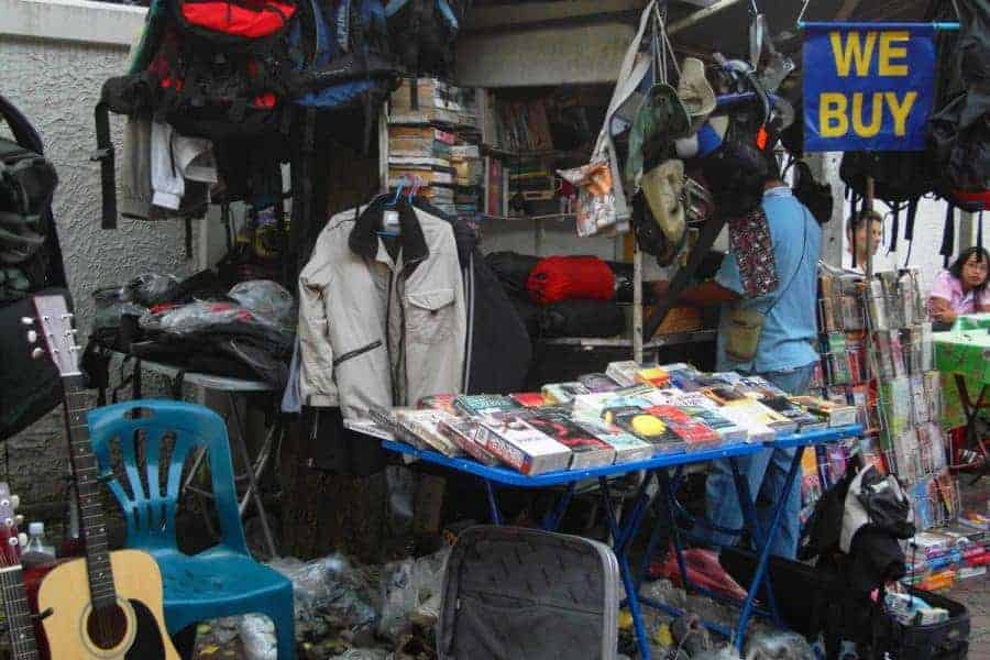 Sell your stuff on the Khao San Road!