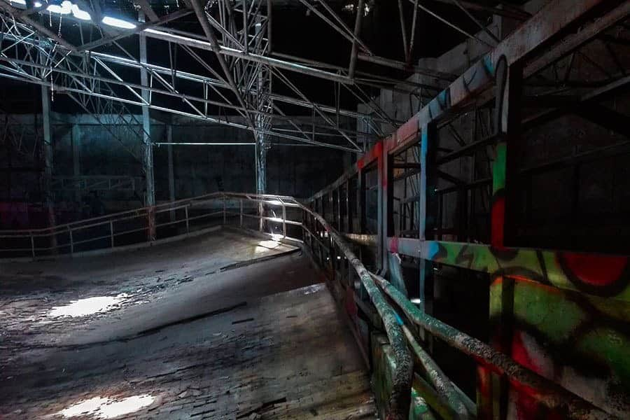 Ramps-all-around-in-the-abandoned-Space-Roller-skating-rink-in-Chiang-Mai,-Thailand