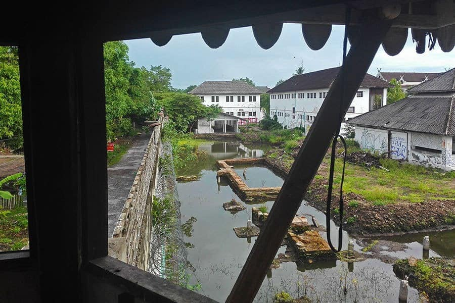 View-from-the-watchtower-at-Chiang-Mai's-deserted-women's-prison