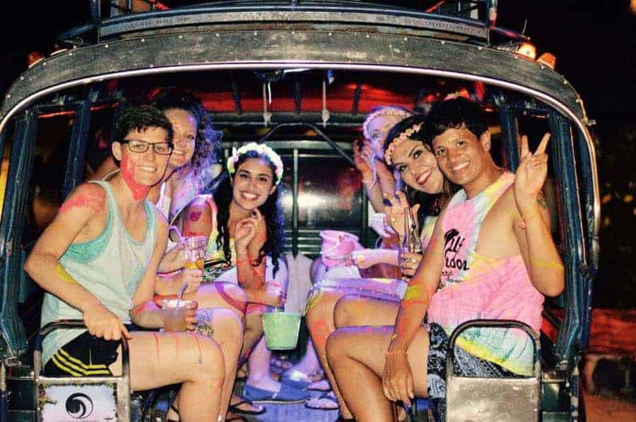Backpackers leaving on a shuttle from Shiralea to the the Full Moon Party!