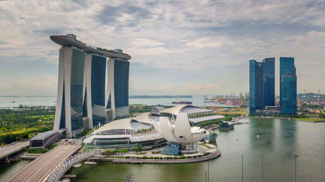 Finding cheap hostels in Singapore - Asia's most expensive country!
