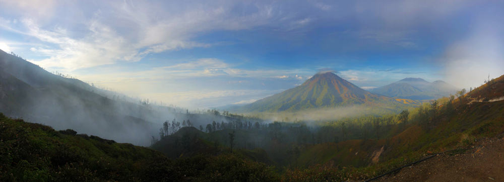 Raung Vulcano, Java, Indonesia - Hiking back from the Ijen Crater.