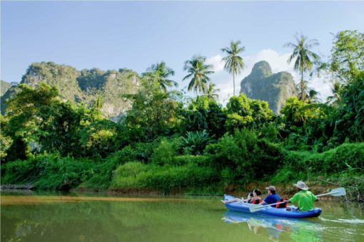 Canoeing with visitors CocoHostel_Khao Sok Thailand