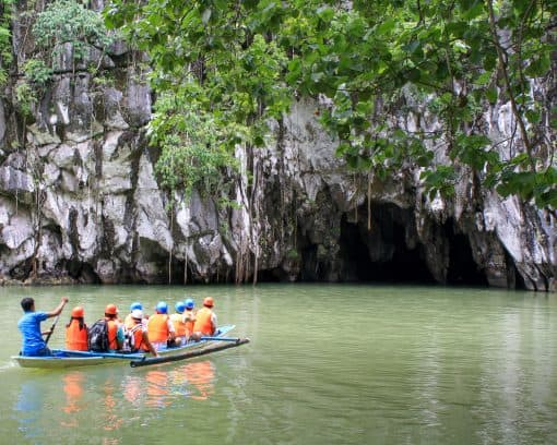 Groups outside of Puerto Princesa Underground River