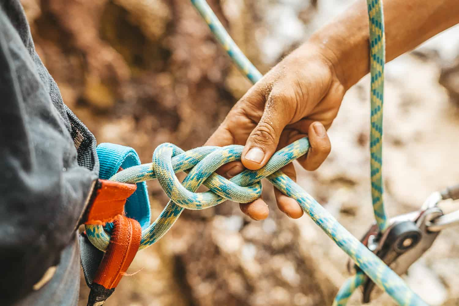 Real Rocks Guide Tying Climbing Ropes