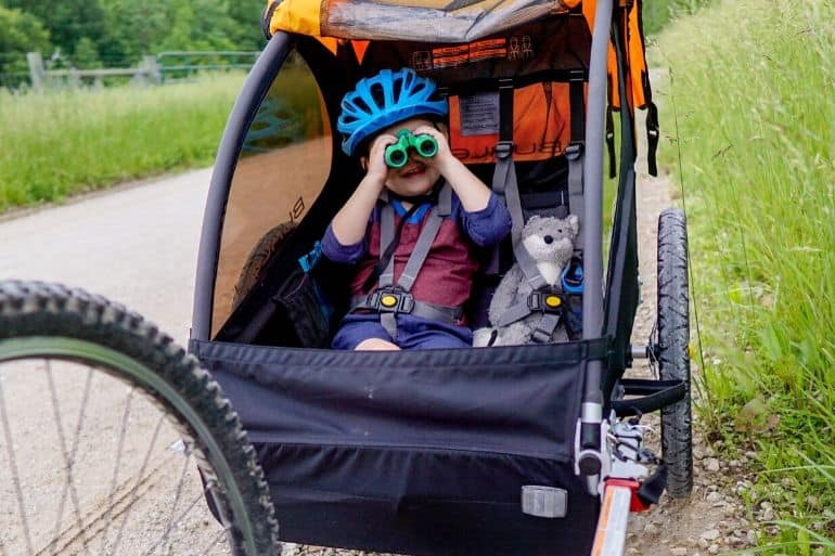 How to Keep Kids Happy in Bike Trailers