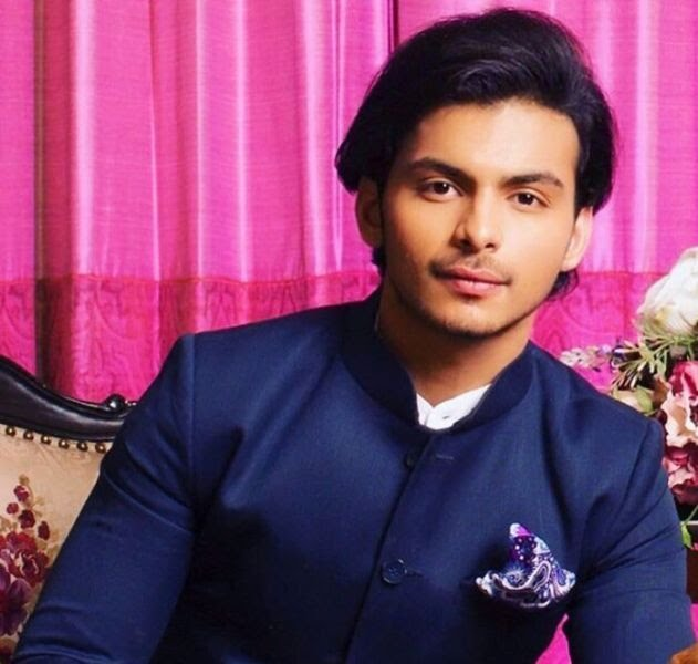 Shikhar Pahariya Age, Girlfriend, Family, Career- Biography Info