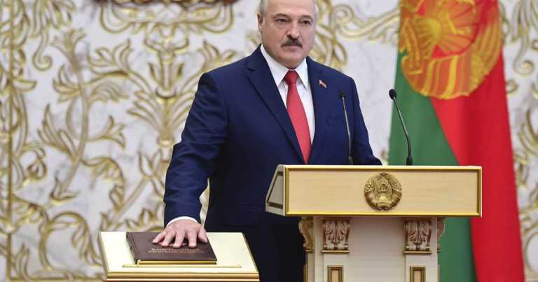 Belarus' Lukashenko abruptly sworn in as president as protests continue