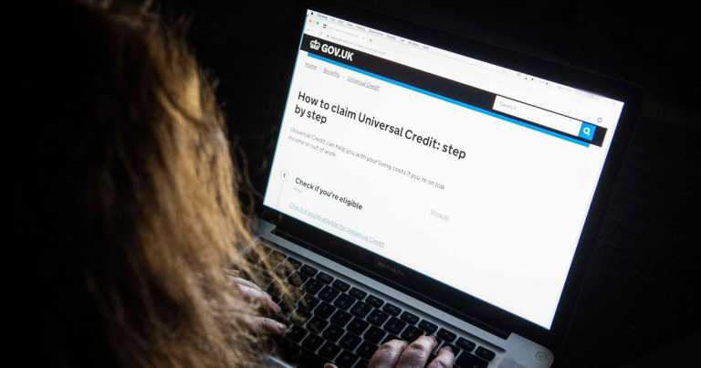 DWP issues warning as Universal Credit fraudsters look for extra cash loopholes