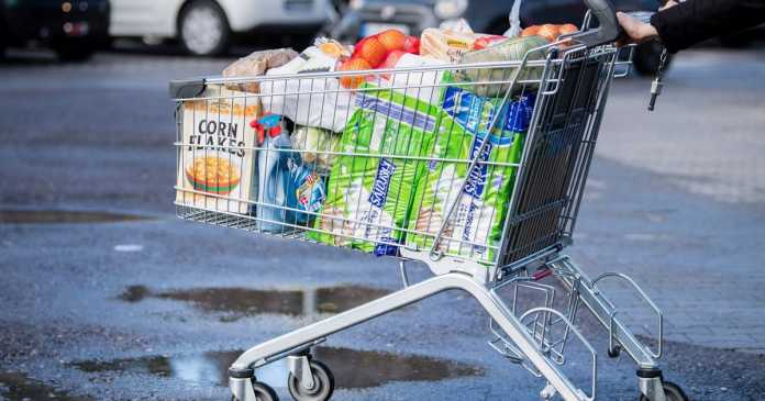 Latest supermarket rationing advice as some chains bring in purchase limits