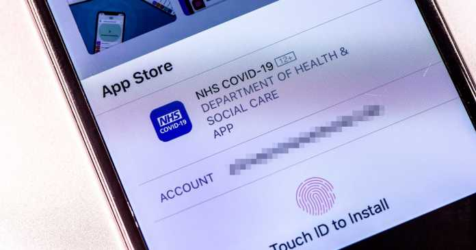Officials 'urgently' working to fix new Covid NHS app