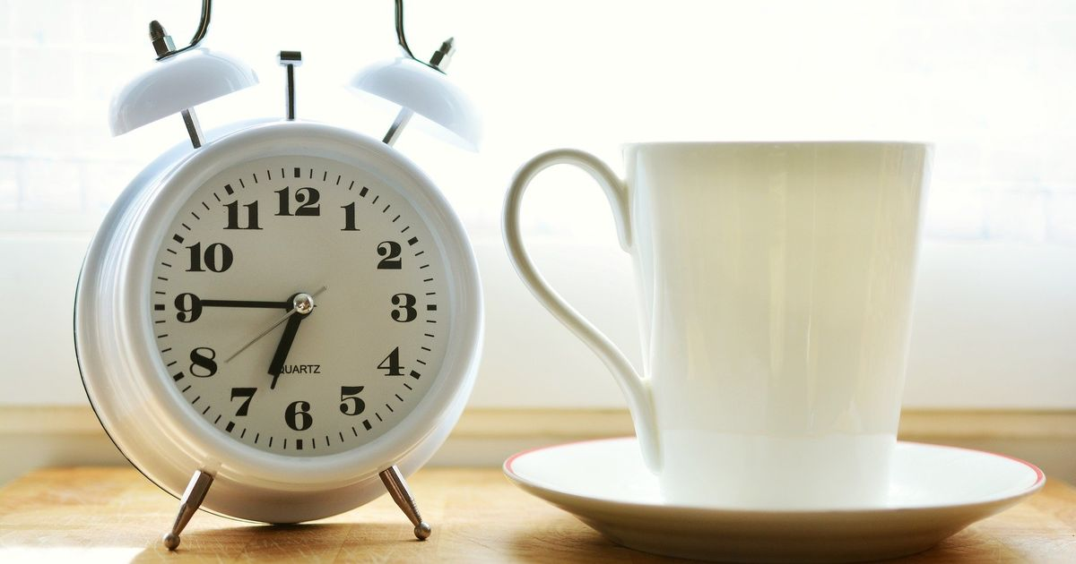 6 tips to help you get up earlier as mornings get darker