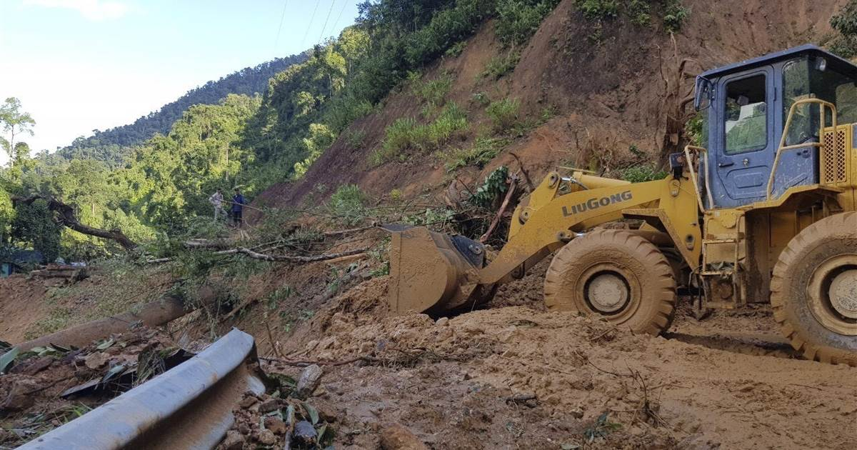 At least 25 dead, scores missing after Typhoon Molave lashes Vietnam