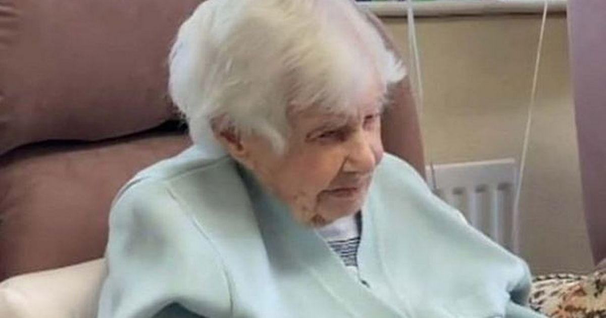 Britain's oldest person dies at the age of 112