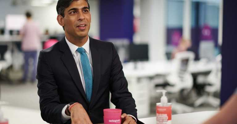 Chancellor Rishi Sunak explains why pubs must close at 10pm