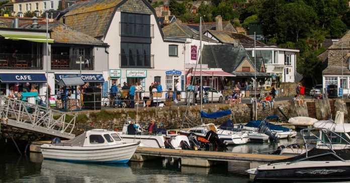 Cornwall hate groups gang up to remove 'scruffy' traders from holiday hotspot