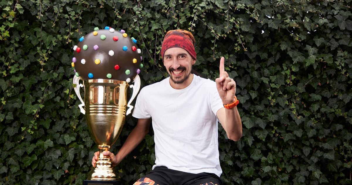 Dad named UK's first Candy Crush champion - beating one million rivals