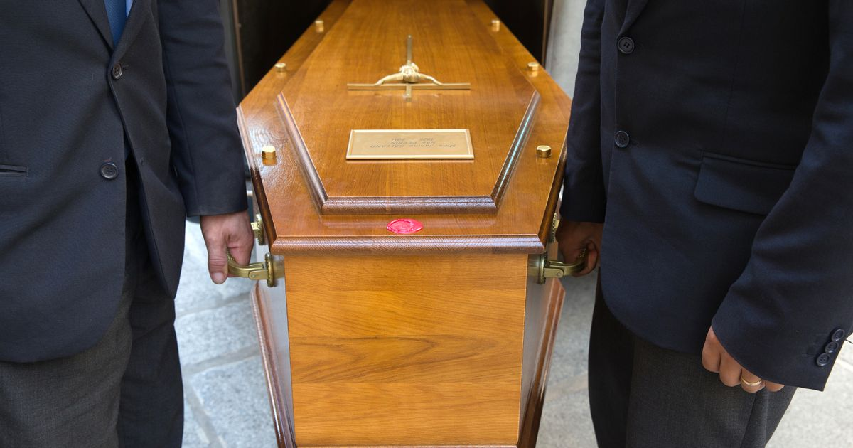 Family unable to pay for burial 'left with body on floor' as coffin confiscated