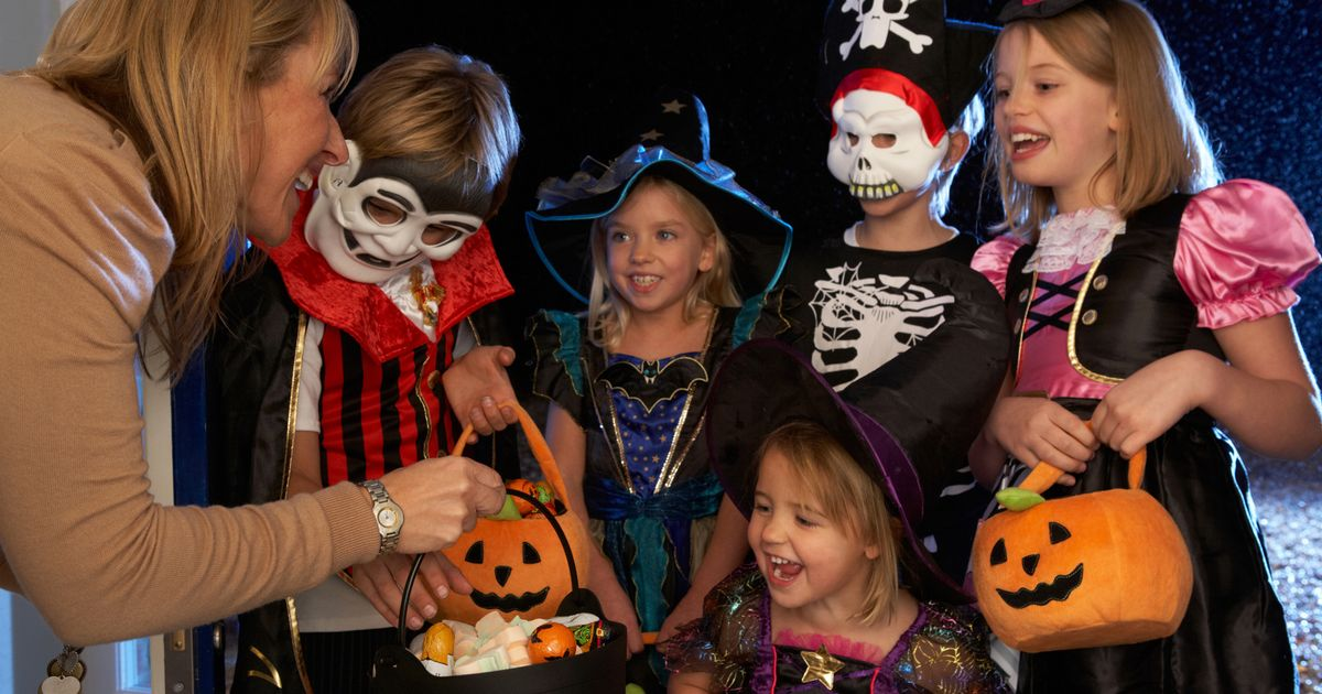 Government statement on whether kids can trick or treat at Halloween