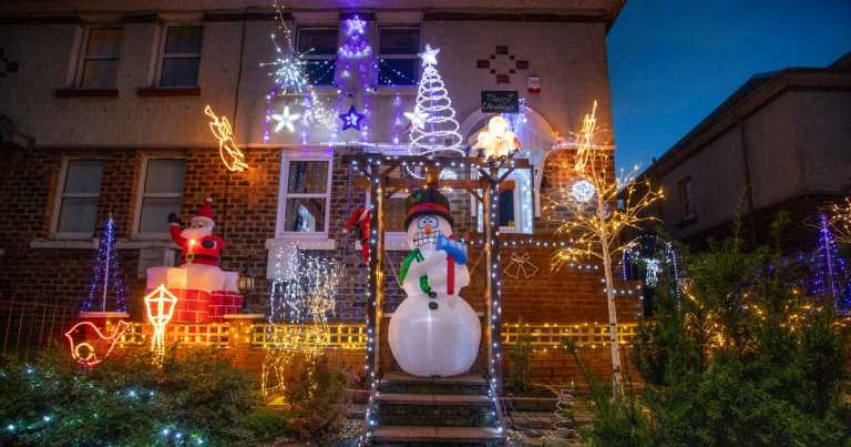 Grandad puts Christmas lights up on October 1 to cheer up entire street