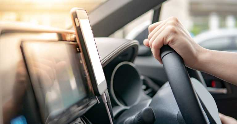 Loophole over mobile phone use by drivers set to be closed