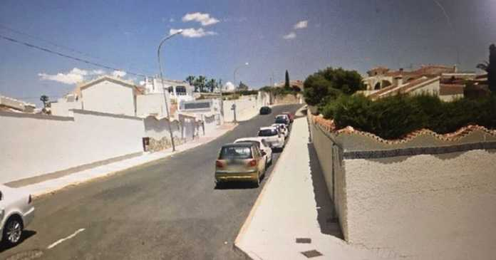 Manhunt as young Brit man stabbed to death in Spain after 'house party fight'