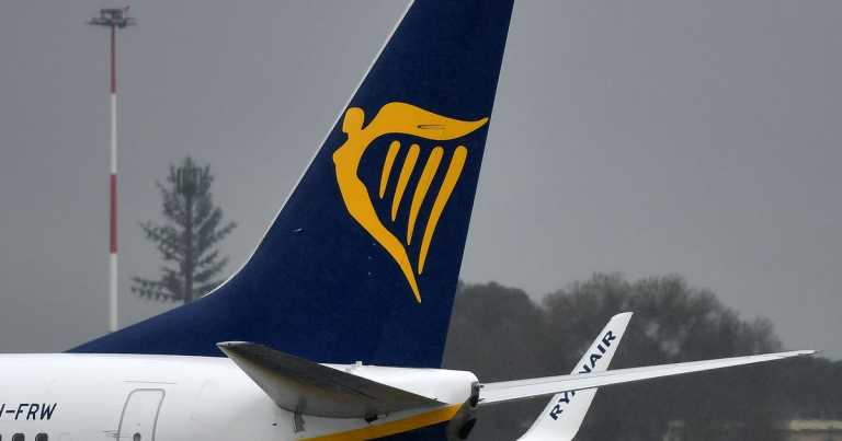 Ryanair accuses agents of not forwarding refunds to customers in booking row
