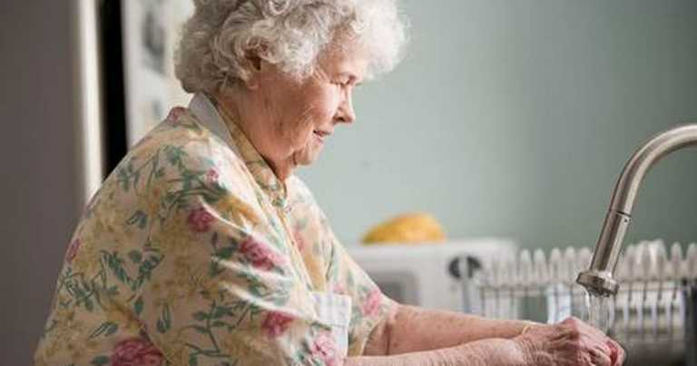 Seven tips for combatting mental health problems in elderly people