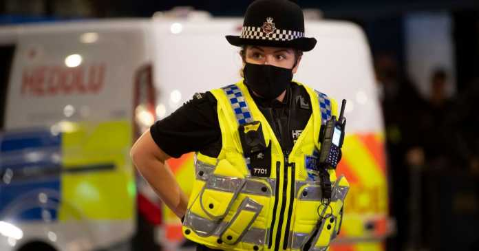 Two-thirds of lockdown fines handed to under-35s