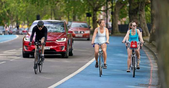 'Majority' of people support schemes to promote cycling and walking