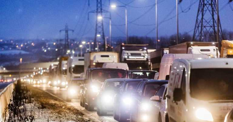 Christmas traffic warning as experts predict 'surge' in travel