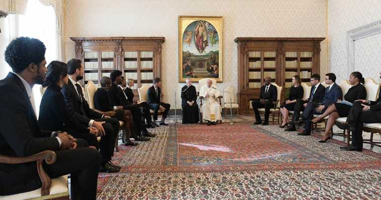 NBA players meet Pope Francis at Vatican, hailed for demanding justice