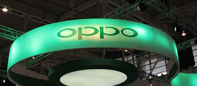 OPPO 125W charger in stores in the first quarter of 2021
