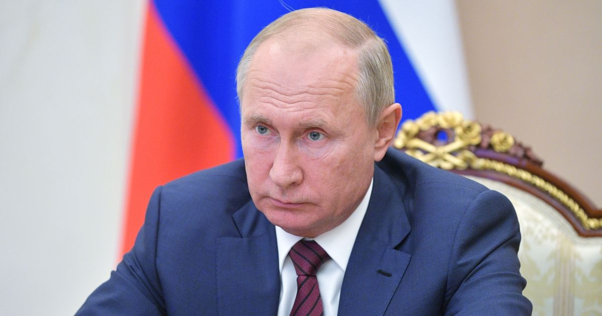 Putin 'to quit as Russian president' in weeks amid Parkinson's disease fears