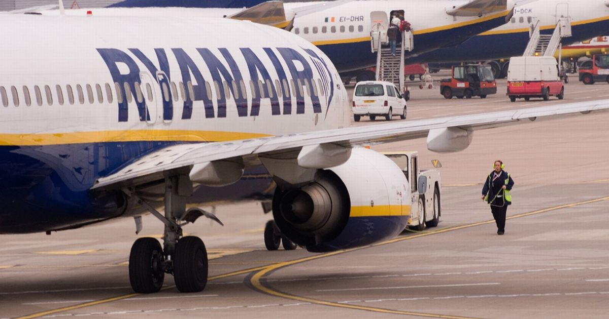 Ryanair extends Covid-19 flight changes deal into new year