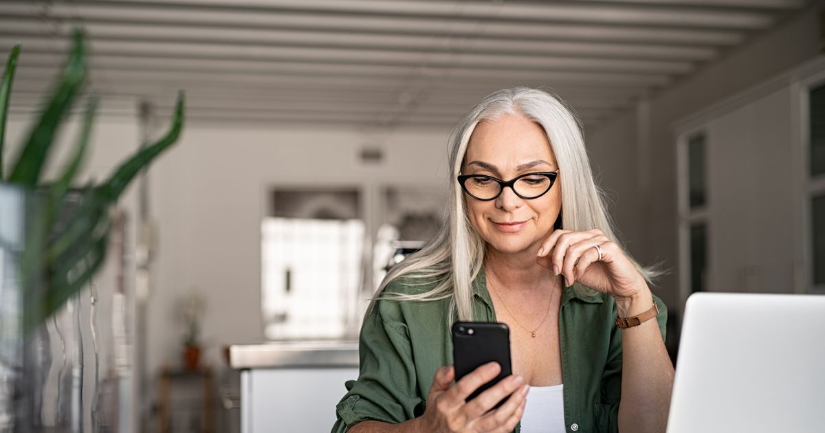 Warning over signing up for a new mobile phone contract