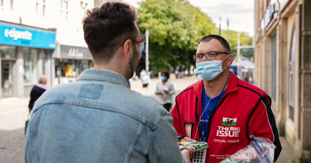 New Covid restrictions a 'devastating blow' for Big Issue sellers