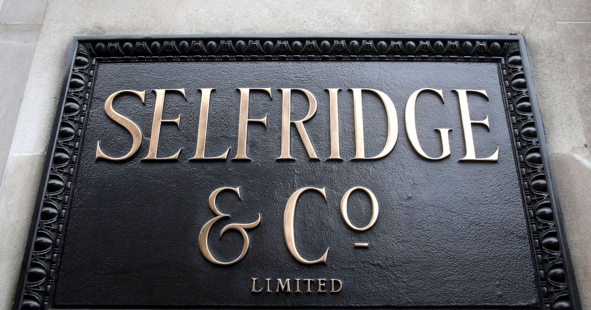Selfridges reclassified as a building of 'more than special interest'
