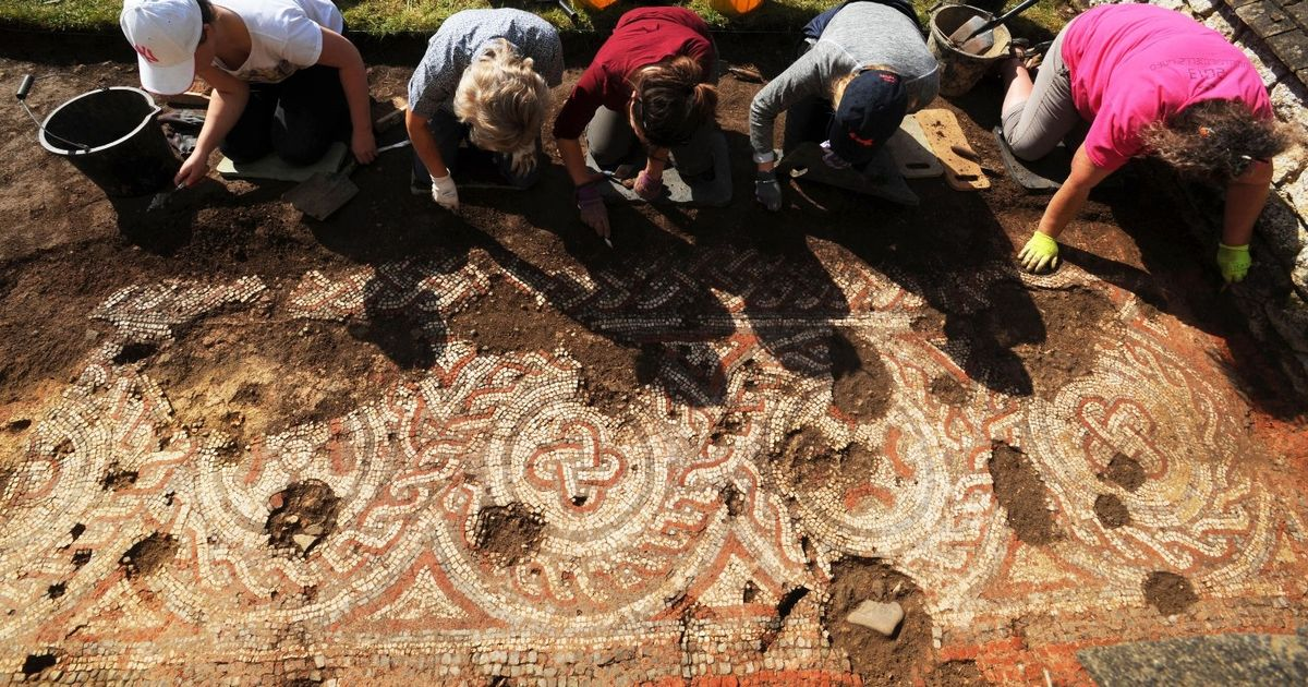 UK archaeologists make a startling discovery at Roman villa